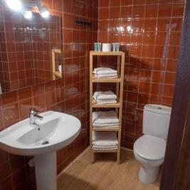 Voralmar Apartments Cambrils Bathroom