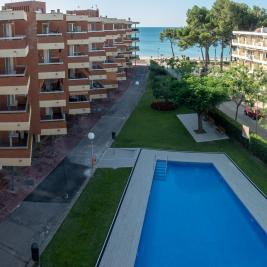 Cambrils apartments with pool