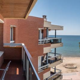 Cambrils apartment with terrace